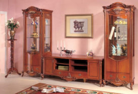 Repliky starožitného nábytku, Luxusní, stylový, historizující, zámecký, kvalitní nábytek, interiéry Viola ROYAL 108 - obývací pokoj, komoda, stojan